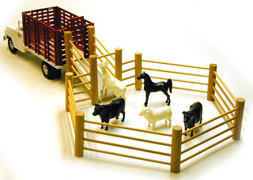 1958 Tonka Farms Stock Rack #32 with Corral and Animals